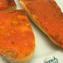 Pan con ajo y tomate
